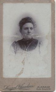 Loes van der Kolk in haar twintiger jaren (1)